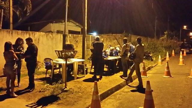 Embriagada mulher cai duas vezes em Blitz durante a mesma noite em cidades diferentes em Rondônia