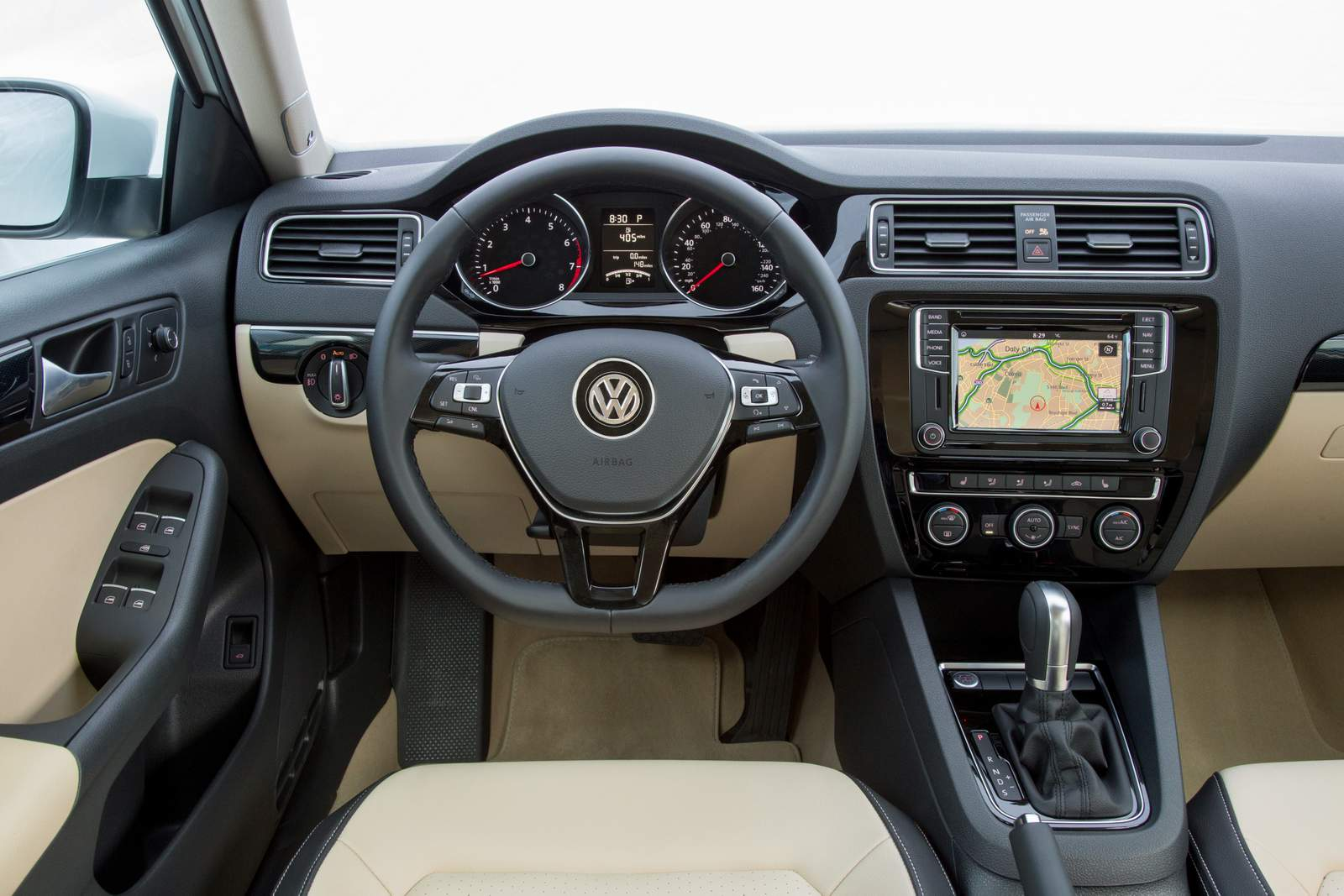 VW Jetta Highline TSI - interior