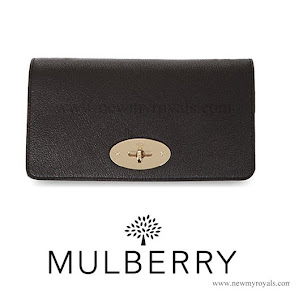 Kete Middleton carried MULBERRY Bayswater clutch
