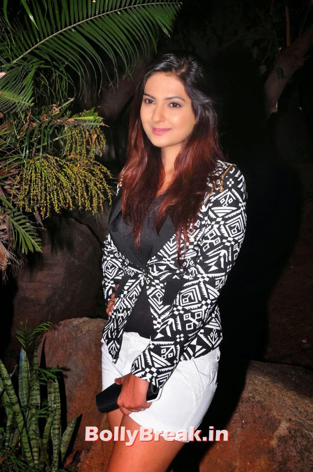 , Neha Deshpande Hot Pics in White Shorts - Latets Photoshoot at Night