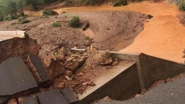As fortes chuvas causaram estragos nos municípios de Ribeira do Pombal e Cícero Dantas, em especial na BR-110, que liga as duas cidades.
