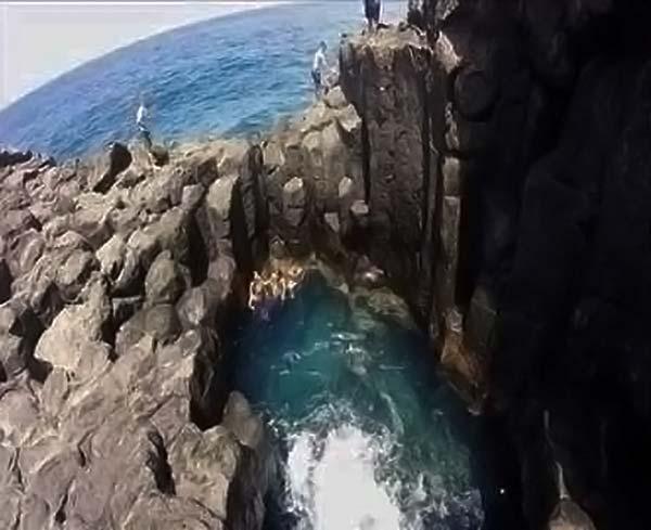Al  menos dos personas muertas por golpe de mar en Tenerife