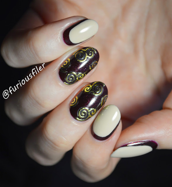 swirls ruffian sickers gold nail art