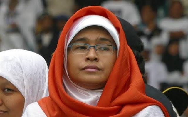 Mengancam Allah Untuk Memenangkan Prabowo, Ini Teks Sesat Puisi Neno Warisman