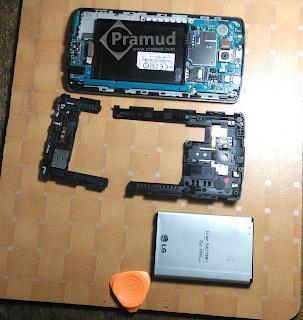 cara membongkar, melepas, copot casing bodi, backcover LG G3 - pramud blog