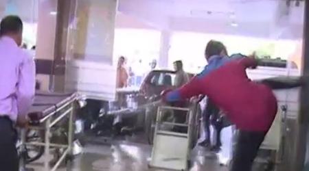 GOKULDAS HOSPITAL: मरीज की मौत, संघ कार्यकर्ताओं ने की तोड़फोड़