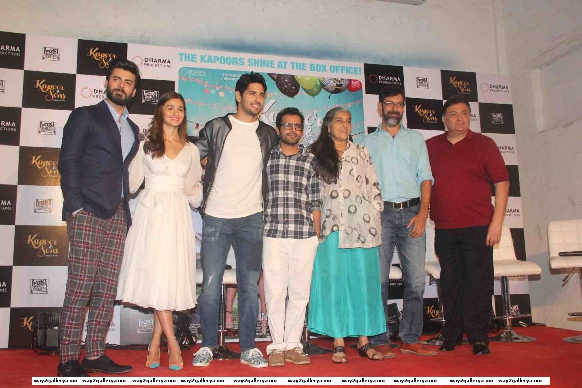 Fawad Khan Alia Bhatt Sidharth Malhotra Shakun Batra Ratna Pathak Rajat Kapoor and Rishi Kapoor celebrated the success of their latest film Kapoor  Sons