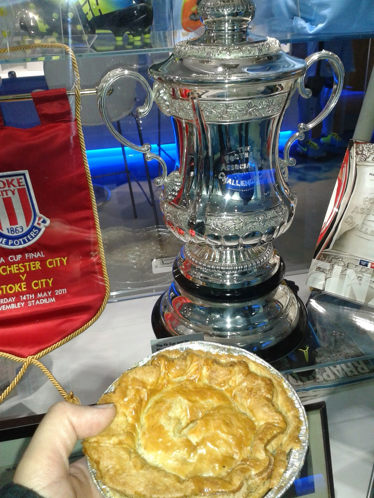Fabulous Fan Fayre Chicken and Ham Pie