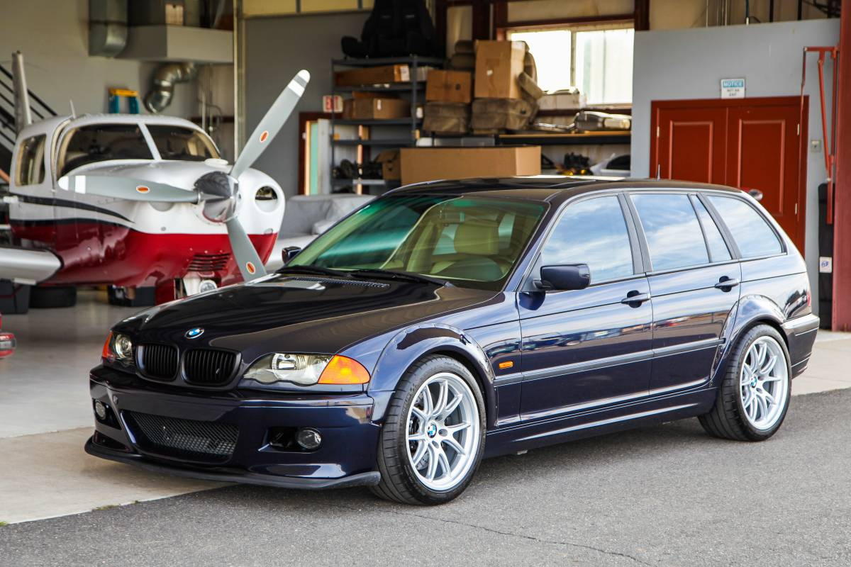 Just A Car Geek 2001 Bmw M3 S54 Swapped 325xi Touring 6 Speed Wow