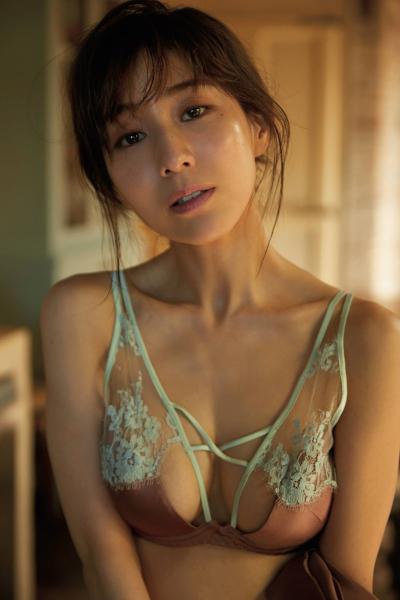 Minami Tanaka 田中みな実, Shukan Gendai 2018.12.07 (週刊現代 2018年12月7日号)