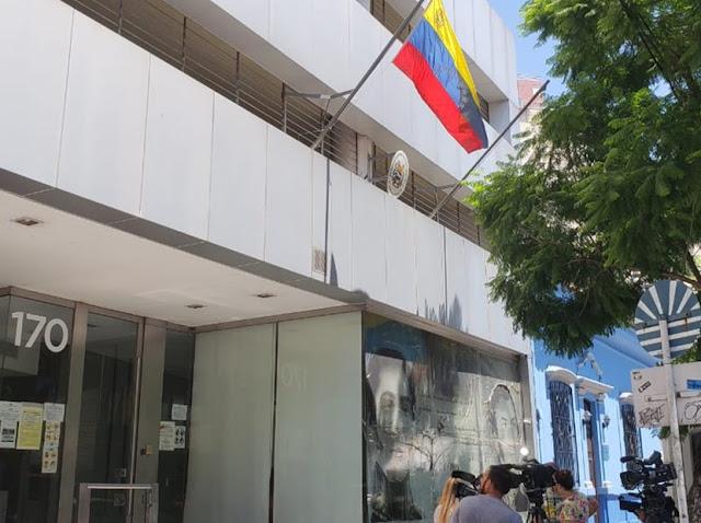 Incidentes en la embajada de Venezuela por choque entre defensores de Guaidó y chavistas