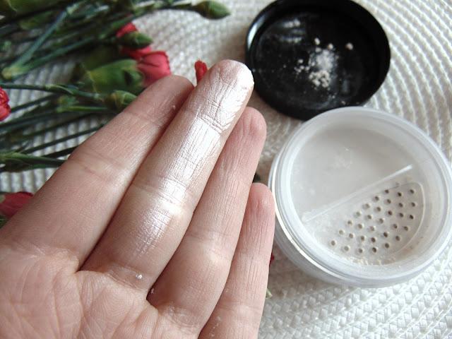 Lili Lolo - Mineralny puder satynowy - Translucent Silk oraz Naturalny błyszczyk - English Rose