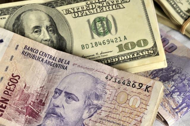 Como levar os pesos argentinos