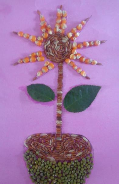 Kolase Gambar Bunga dan Vas Bunga dari Jagung, Beras Merah, Beras Putih, dan Kajang Hijau
