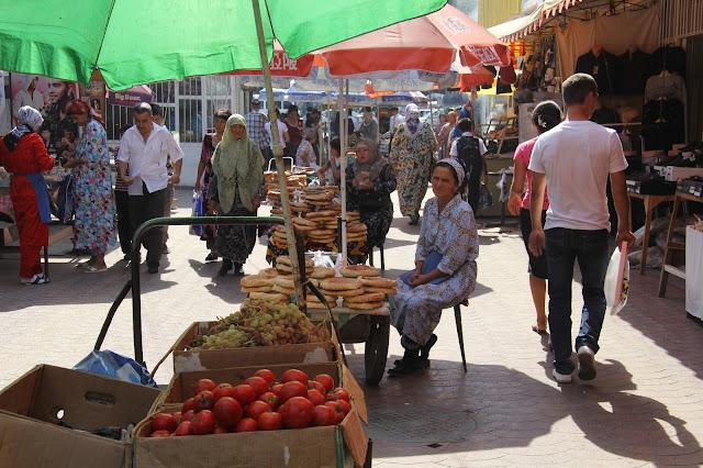 Tadjikistan, Khodjent, Panshambe Bazar, © L. Gigout, 2012