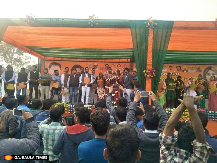 anshu-nagpal-gajraula-pics