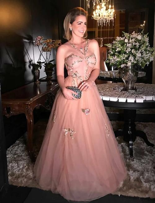 vestido longo estilo princesa