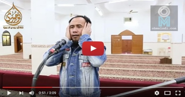 ( VIDEO) Pemuda Berjaket Jeans Lusuh Tiba-Tiba Melaungkan Azan Mirip Imam Masjidil Haram