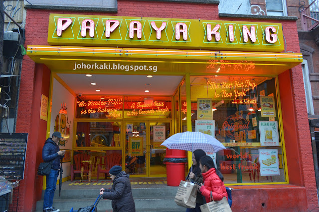 Papaya-King-Hotdogs-NYC-New-York