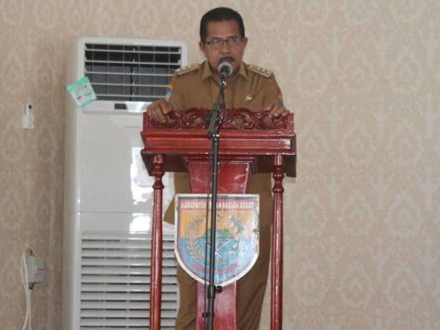 Yasin Payapo Buka Pembekalan Penyusunan APBD Kabupaten SBB