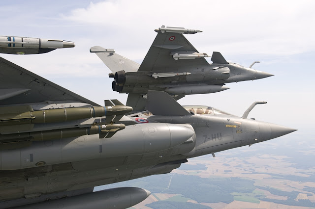 FRENCH MINISTER FOR DEFENSE AUTHORIZES DEVELOPMENT OF RAFALE F4