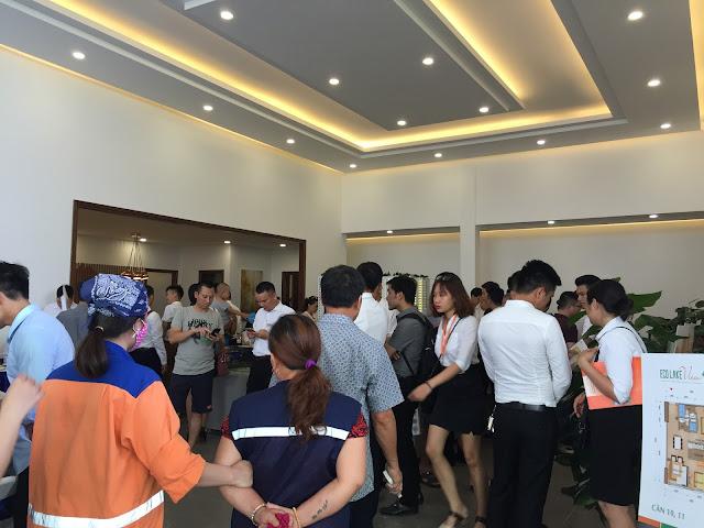 Khách hàng tham dự lễ ra mắt tòa HH03