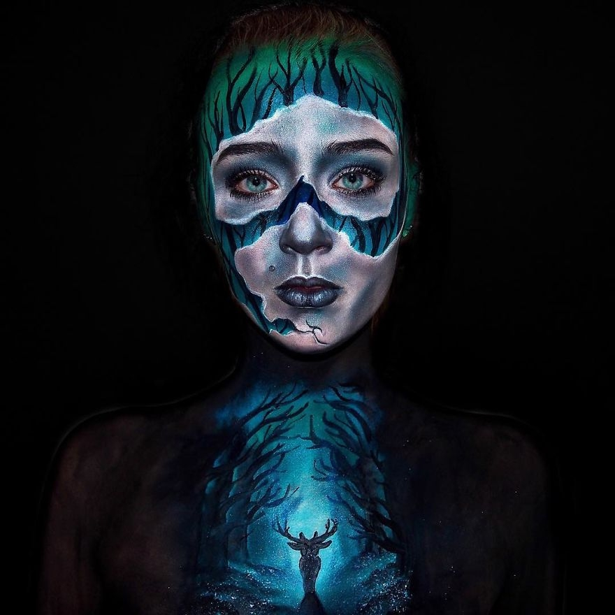 11-Lara-Wirth-Armageddon-Painted-Turning-into-Monsters-with-Body-Painting-www-designstack-co