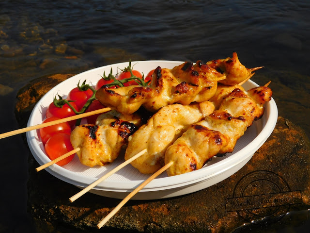 chicken satay grilled Marinate peanut butter treat children children's barbecue season adoption of the grill the idea for the chicken fillet grilled recipes for salads on the grill ideas for grilled meat lamb beef skewers sticks mechanik w kuchni