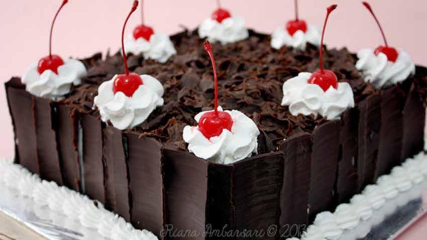 Resep Membuat Black Forest Cake Ala Bunda Fatmah Bahalwan