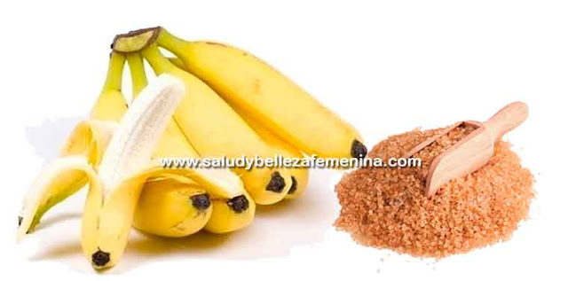 Exfoliante casero de plátano y azúcar, esta fruta es capaz de hidratar, nutrir, dar luminosidad y suavidad a la piel