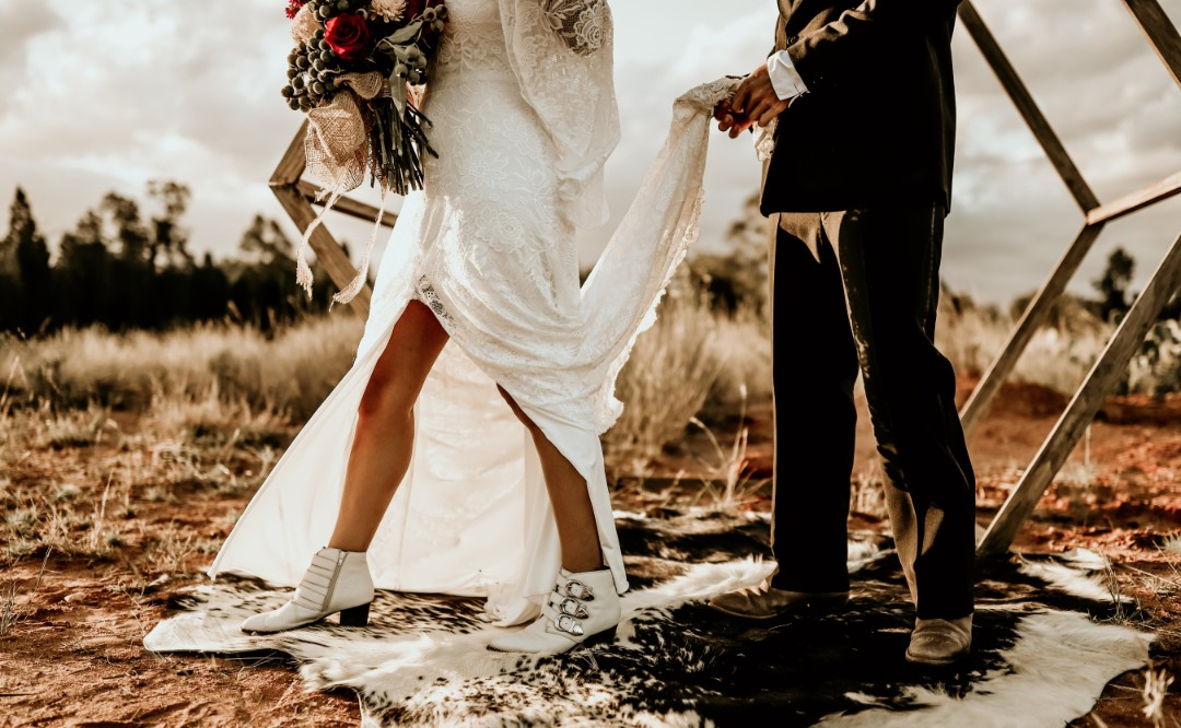 KACIE HERD PHOTOGRAPHY CUMNOCK NSW WEDDINGS BRIDAL GOWN COUNTRY WEDDING