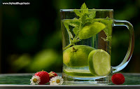 saaf twacha k liye detox water use karey Detox Water For Clear Skin