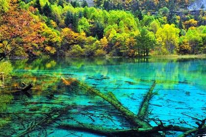 ทะเลสาบห้าสี (Five Flower Lake) @ www.pinterest.com