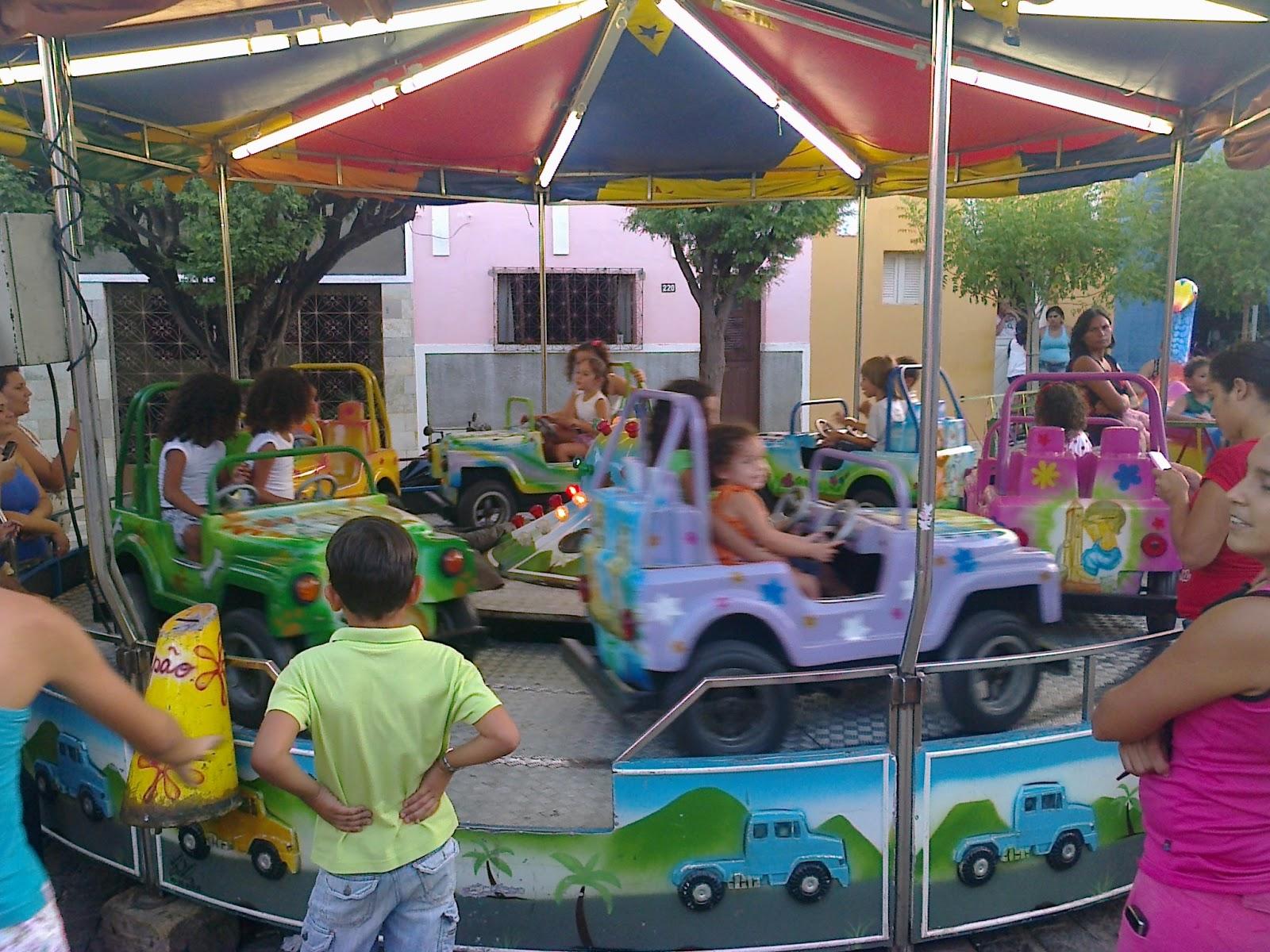 Crianças Se Divertindo No Parque: O Diário Do PETI * *: Dia Das Crianças No Parque De