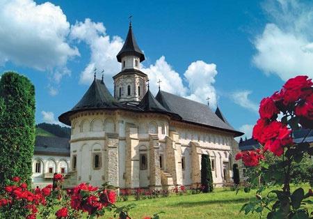Картинки по запросу сучава румыния монастырь иоанна сочавского святыни