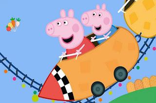 montaña rusa del parque de atracciones de peppa pig