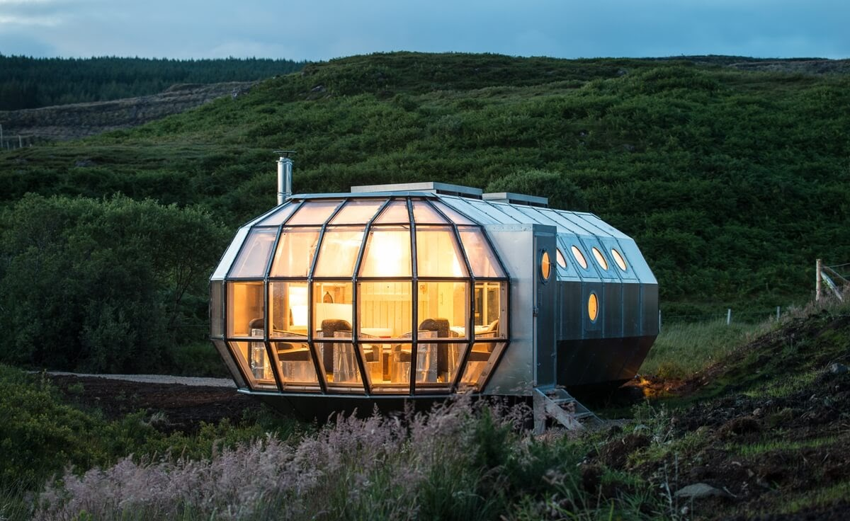 15-Night-brings-the-Home-to-Life-Roderick-James-Architects-AirShip-Multifunctional-Architectural-Home-www-designstack-co