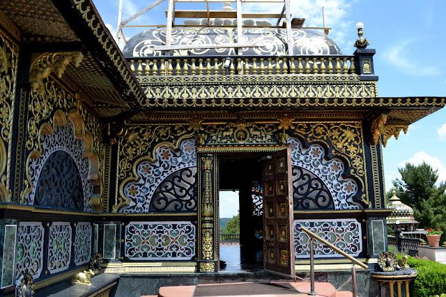 Золотий палац Прабхупади, Нью-Вріндабан, Західна Вірджинія (Prabhupada's Palace of Gold, New Vrindaban, West Virginia)