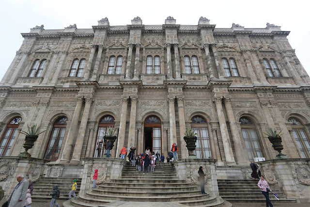 This is where the guided tour begins inside Dolmabahce Palace and photograph is strictly prohibited in Istanbul, Turkey
