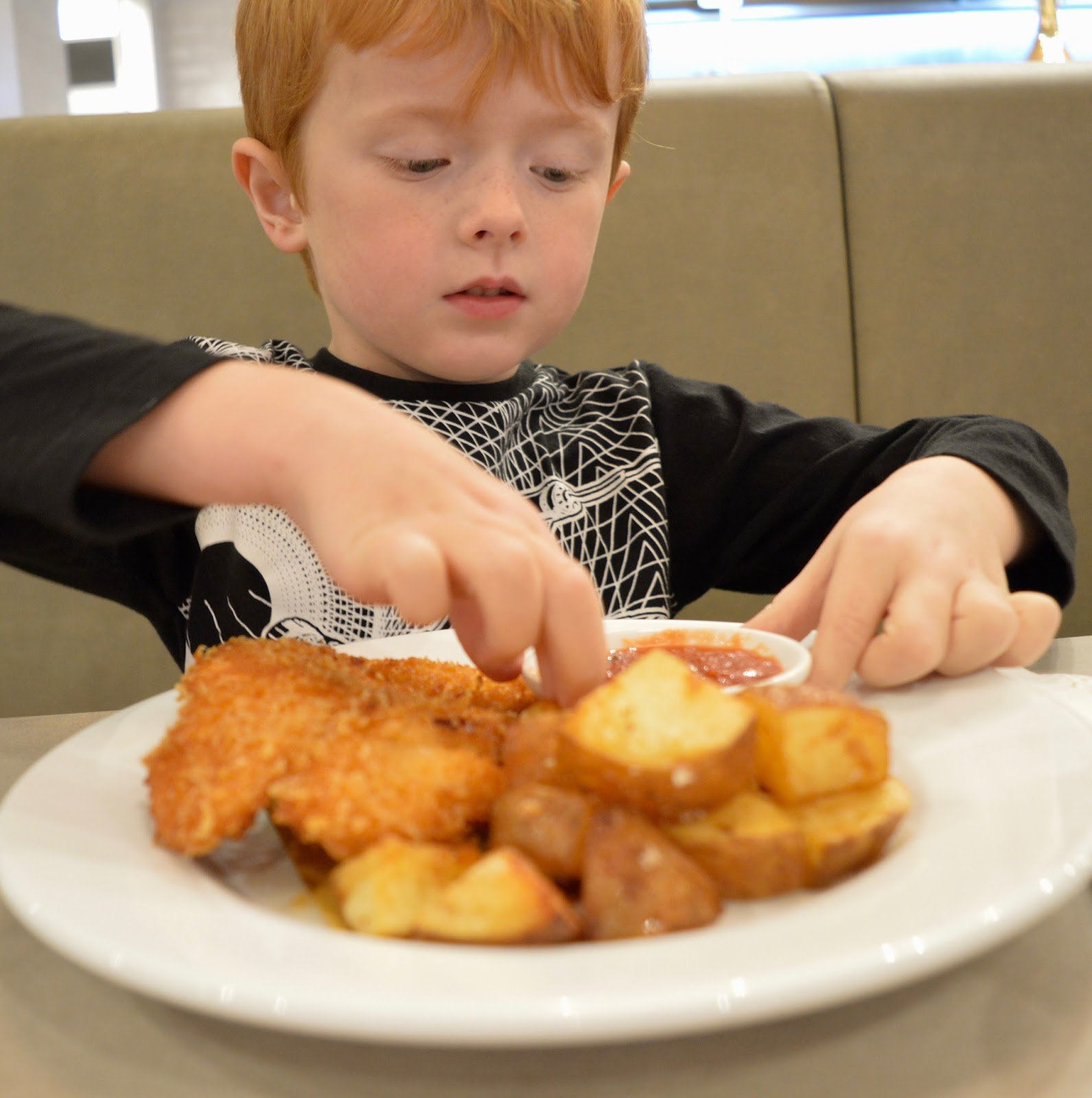 Carluccio's - intu Metrocentre | Children's Menu Review - chilcken milanese and rosemary potatoes