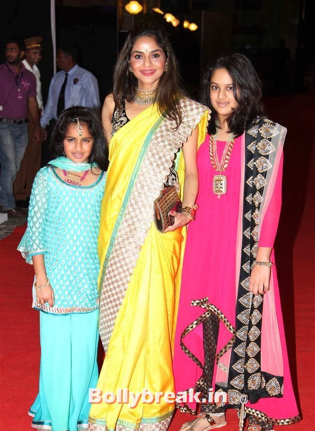 Madhoo Shah with her daughters, Ahana Deol and Vaibhav Sangeet Ceremony