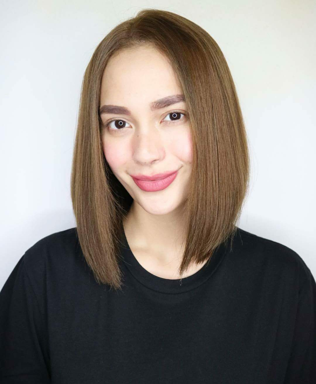 Photos Show Arci Mu 241 Oz Having A Brand New Short Hairstyle