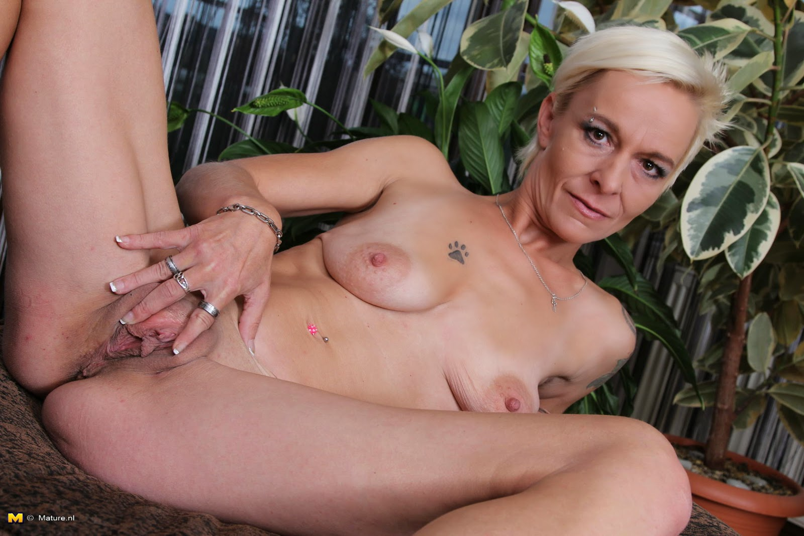 Mature Skinny Naked Women
