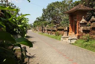 http://www.teluklove.com/2017/03/destinasti-objek-wisata-desa-pangsan-di.html