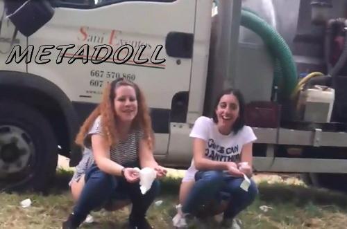 Girls Gotta Go 30 (Spain street festival pissing voyeur - Girls peeing at a public festival)