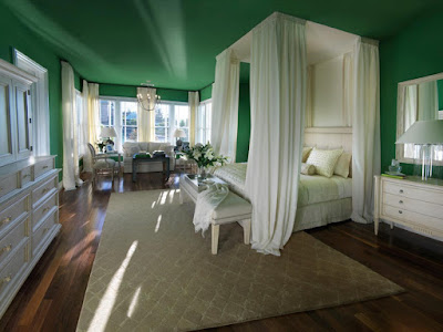 How to Make a Canopy Bed in a Low Ceiling Room