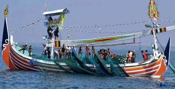 Perahu Pemasang Jebakan