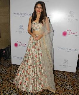 Kriti Kharbanda At Payal Singhals New Collection Launch (2)