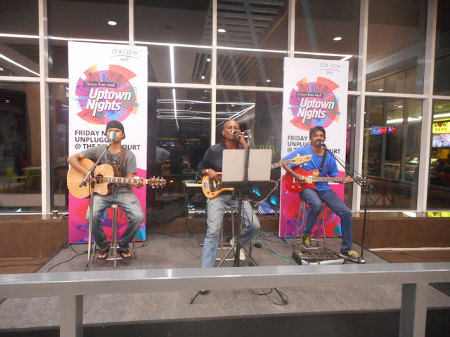 Orion East Mall - A live Musical performance by The Jukebox at Saucepan