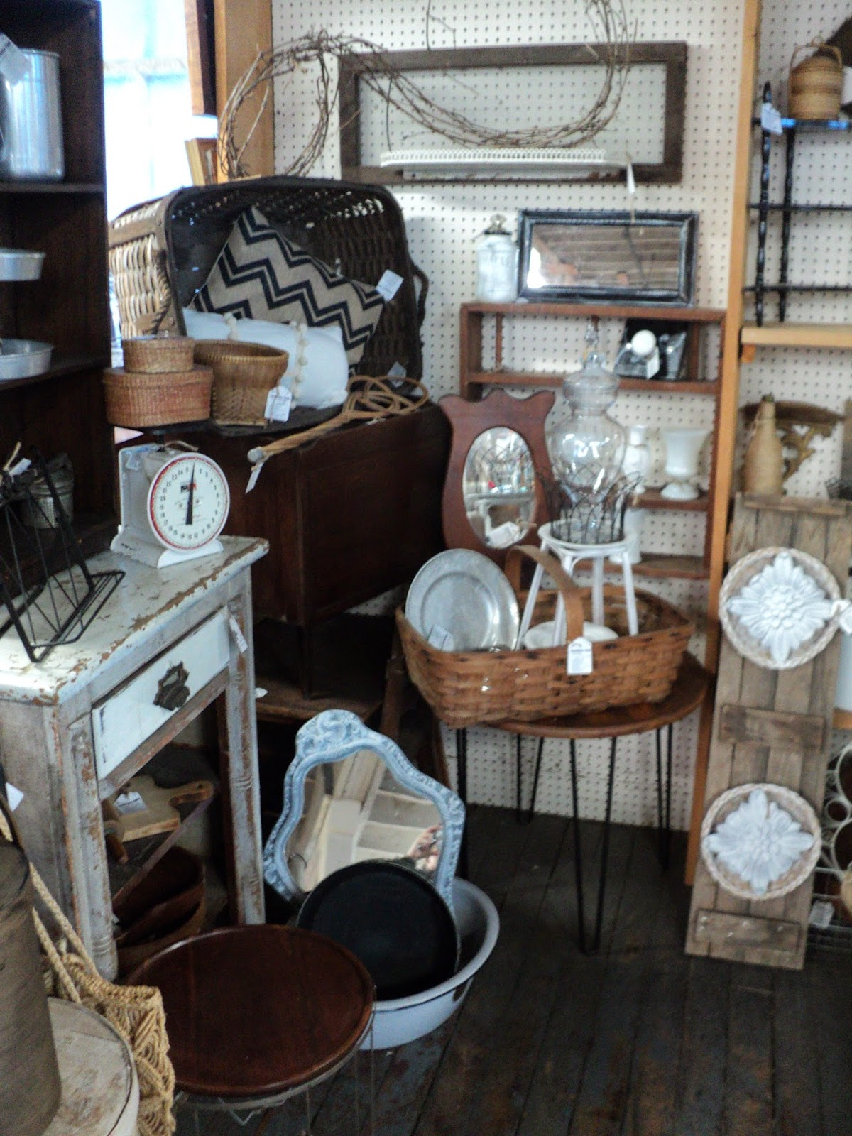 The Farmhouse Oneonta Ny Farmhouse Finds Moved Downstairs At The Marketplace